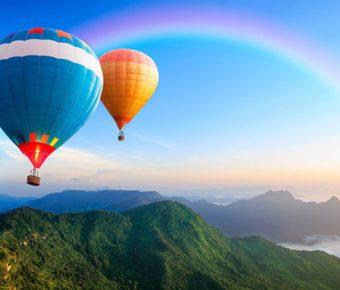 【PPT熱氣球背景】最好的14張PPT熱氣球背景模板下載,靜態藍天白雲素材的編輯格式