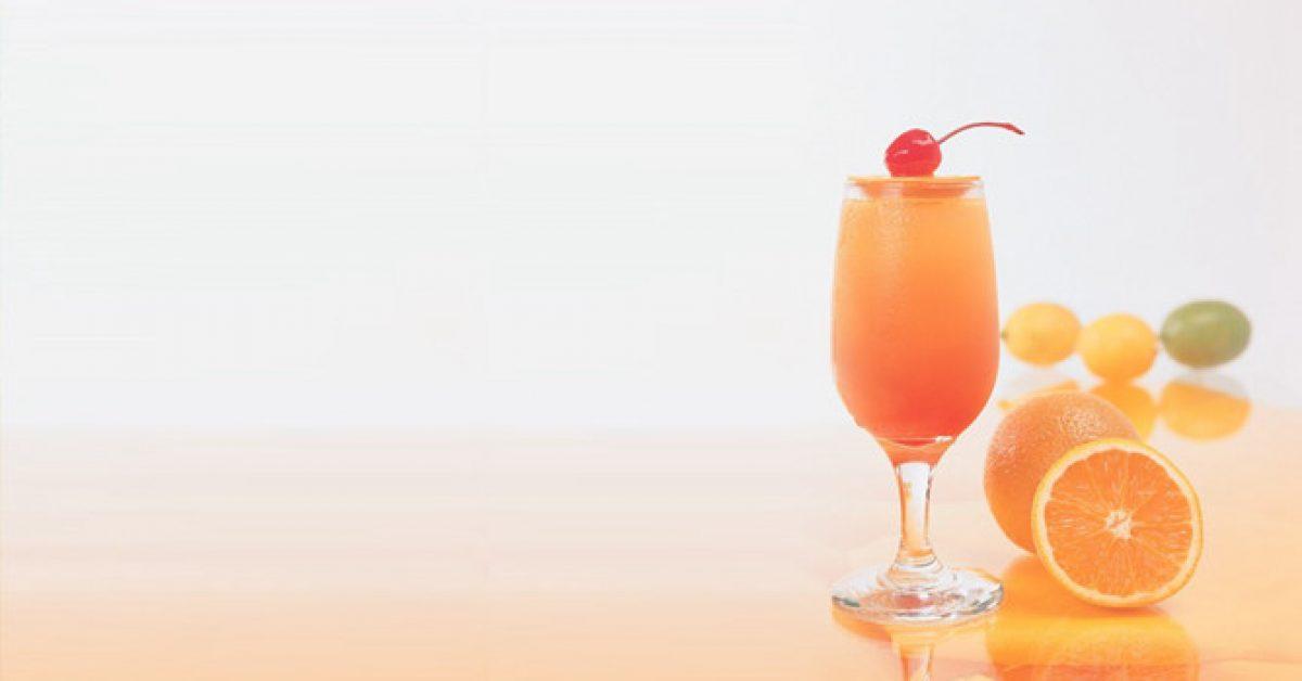 【PPT果汁背景】優質的2頁PPT果汁背景模板下載,靜態柳橙汁主題範本的模板格式檔