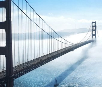 【PPT吊橋背景】精美的5張PPT吊橋背景模板下載,靜態大橋圖案簡報的版型格式檔