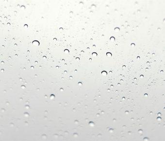 【PPT水珠背景】有設計感的4張PPT水珠背景模板下載,靜態窗戶水滴範本的素材作業檔